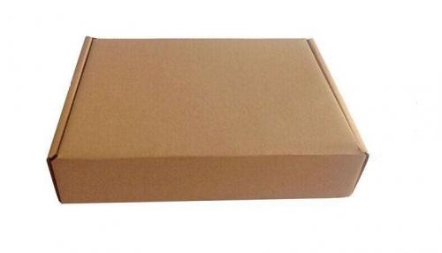单色服装纸箱